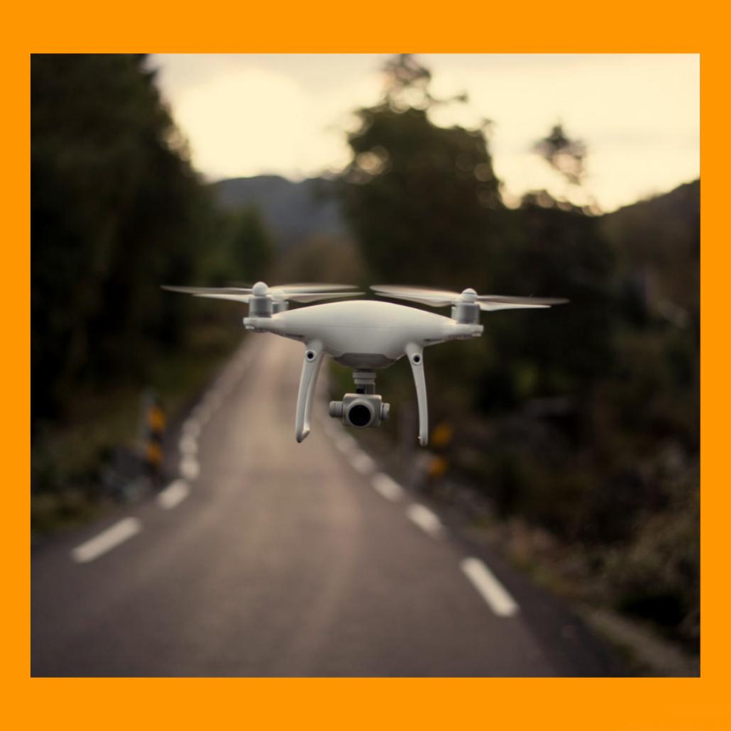 Drohne über Straße