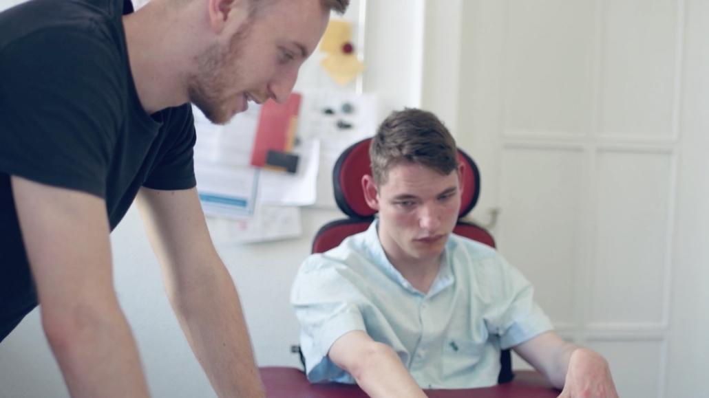 Christian, der selbst gehandicapt ist, gibt Inspiration zur Weiterentwicklung der App